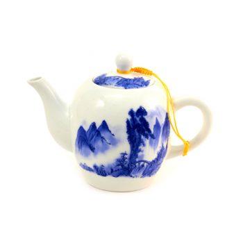 фарфоровый чайник небольшого объема
